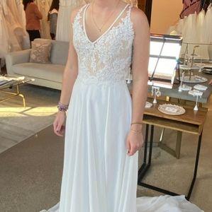 Wedding Dress - Never Worn